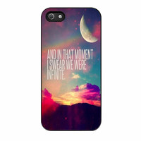 Perks Of A Wall Flower Quote Design Vintage Retro iPhone 5 Case