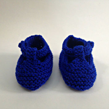 Baby boy shoes, blue baby booties, hand knit booties, royal blue shoes, infant shoes, baby mary jane shoes, newborn boy booties, blue boots