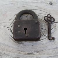 Vintage Lock & Skeleton Key Home Decor Retro Old
