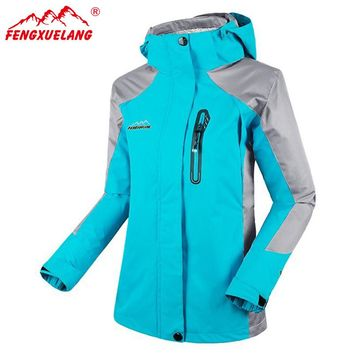 FENGXUELANG Softshell Jacket Women's Windbreaker Hiking Jacket Breathable Outdoor Waterproof Windstopper Jacket Female HWA2257-5