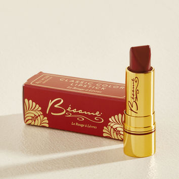 Rip-Roaring Radiance Lipstick in Victory Red | Mod Retro Vintage Cosmetics | ModCloth.com