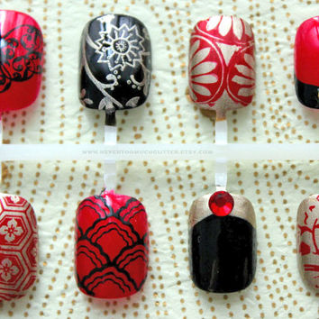 Kyoto Enchantment. Japanese Nail Art, Fake Nails, False Nails, Kimono Press On Nails. Red Black And Gold Asian Style Japanese Pattern Nail