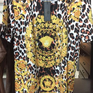 Versace Barocco t shirt 'Size XL' (Stunning Rare Piece w Animal and Barocco prints)..