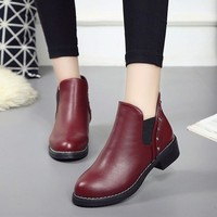 2017 Casual Motorcycle Rivet Martens Boots Woman Vintage Women Boots Soft Women's Shoes Booties Autumn Ankle Boots Zapatos Mujer