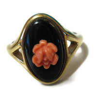 Vintage Avon Ring Size 8 Gold Tone with Black and Peach Flower