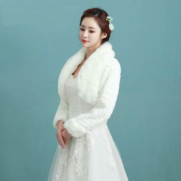 Faux Fur Wedding Jackets Without Buttons Winter Bridal Wedding Shawl With Sleeves Worm Jackets Bolero For Party