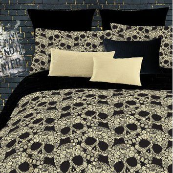 Veratex, Inc. Flower Skulls Comforter Set in Black / Tan