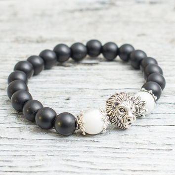 Matte black onyx stone and white howlite beaded silver Lion head stretchy bracelet, made to order bracelet, mens bracelet, womens bracelet