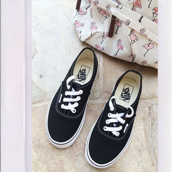 Vans Authentic- Black/White