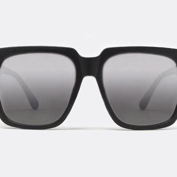 Quay On The Prowl Black Sunglasses