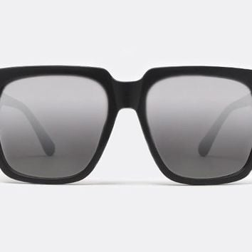 a4613d6daa Quay On The Prowl Black Sunglasses from New York Glass