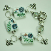 Antique Silver Honey Bee Charm Bead bracelet / Toggle Clasp bracelet / Lampwork Beads/ Handmade bracelet / Fashion Jewelry