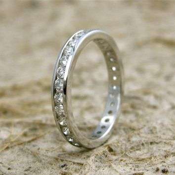 Elegant & Exquisite Diamond Wedding Ring in 14K White Gold Eternity Style Size 7/3mm