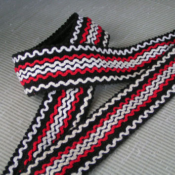 Black with White, Off White and Red Waves of Color. Edging Yarn Upholstery Braid for Home Decorating. Vintage Upholstery Trimming Fringe.