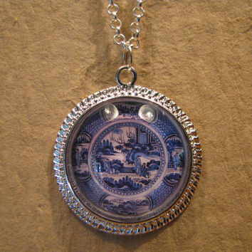 "Large Blue and White Three Figures Pattern Porcelain Plate Domed Cabochon Silver Finish Pendant with 20"" Snake Chain or 24"" Oval Link Chain"