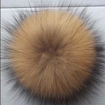VONG2W 2017 Sale Winter Hat 15cm 100% Real Raccoon Pompoms Luxurious Balls Genuine Pom For Bag Hats Cap Scarf Gloves Attached The Hasp