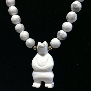 Howlite Zuni Bear Fetish Necklace, Hand Carved Bears, Sterling Silver Cone Hook Clasp, Artisan Southwestern 718m