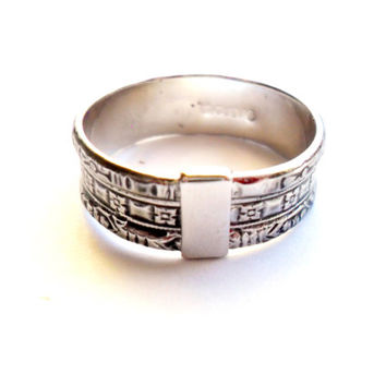 Vintage Avon Wide Ring Cigar Band Boho Tribal Ethnic Style Simple Etched Wide Size 7 Marked Signed Simple Stamped Silver Tone Metal