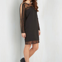 LBD Mid-length Long Sleeve Shift Chain-ge