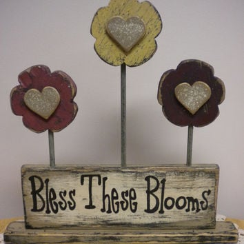 Primitive Sign Flower Arrangement, Garden Signs, Floral Accents, Country Decorations