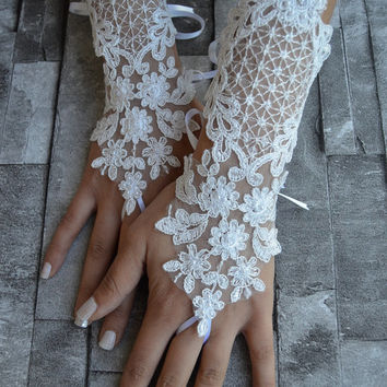 Free Ship lace glove, Bridal Glove, white lace gloves, lace gloves, Fingerless Gloves, bridal gloves  Free Ship, gloves, white glove
