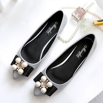 2016 New Women Soft Leather Flats Fashion Spring Casual Black Pointy Toe Ballerina Ballet Flat Slip On Shoes Work Shoes C1045