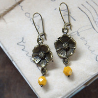 Horticulturist Earrings - Bronze