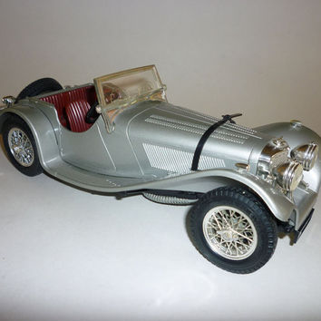 Burago 1937 Jaguar SS 100 1/18 Scale Die Cast Made In Italy
