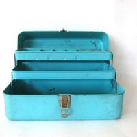 CIJ 25% OFF SALE Vintage Metal Industrial Metal Tool / Tackle Box w Tray Compartment