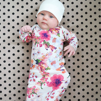 Baby swaddle blanket tan with black dots. Modern neutral baby. Medium size. The softest stretchy knit material. Lippybrand. Baby accessory.