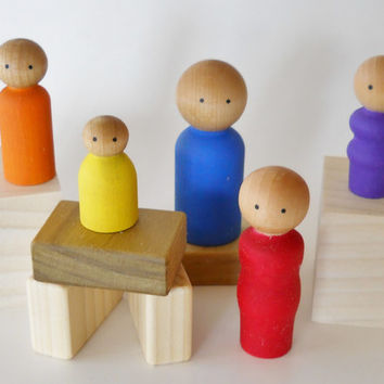 Wooden Peg Doll Family, Set of 5, Waldorf Toy, Party Favor