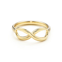 Tiffany & Co. - Tiffany Infinity ring in 18k gold.