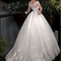[195.99] Glamorous Tulle Off-the-shoulder Neckline Ball Gown Wedding Dresses With Lace Appliques - dressilyme.com