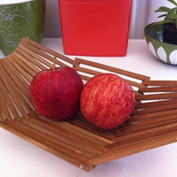 Cute, retro, mid-century modernist style fruit basket/bowl!!