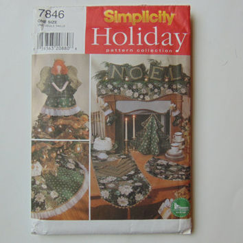 Simplicity Holiday Pattern Collection 7846 Christmas Theme