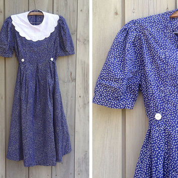 Vintage maternity dress | Blue and white polka dot dress with detachable lace collar