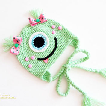 Crochet baby monster hat. Animal hats. Newborn Photo Prop. Crochet Hats. Monsters hats. Beanie for newborn. Disney beanie. Green Monster Hat