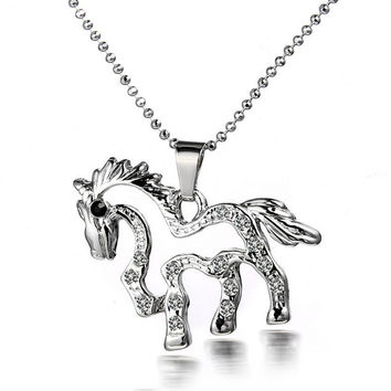 2017 Hot Selling Unisex Necklace New Fashion Alloy Cute Small Horse Shape Pendant Necklace