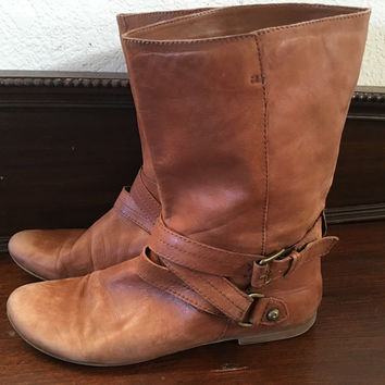 vintage cinnamon brown worn distressed leather flat heels wrap boots hipster indie boho women size 9 us