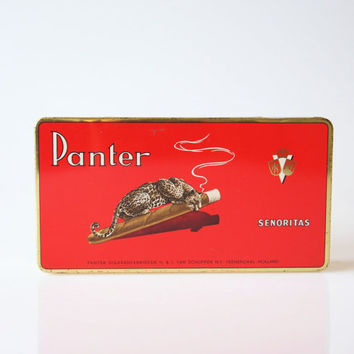 Red Panther cigar tin, vintage metal animal box, panther decoration, antique metal Senoritas cigar box, cigar lover gift, smoking accessory
