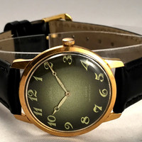"Vintage men's  wristwatch ""Seagull"" (""Chaika""). Khaki-green dial men's watch, round face watch.Gift for him"