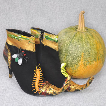 Halloween shoes, boots, witch shoes, Halloween decor, black gold, spider, insects, OOAK, unusual arrangement, candy holders, Thanksgiving