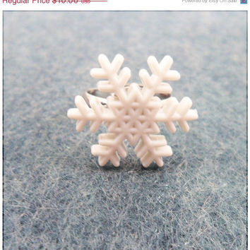 Sale Snowflake Button Ring Winter  by PeriwinkleParadise on Etsy