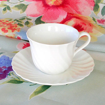 Vintage Wedgwood Candlelight Teacup Coffee Cup White Swirl Bone China Cup & Saucer