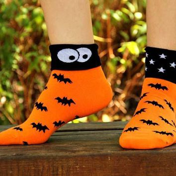 Black Bats and Stars Print Googly Eye Flip Short Cotton Socks for Women