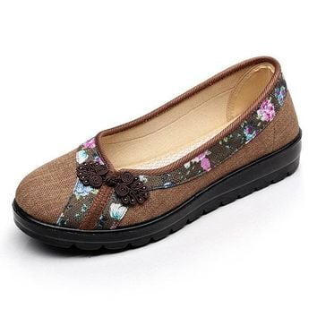 Big Size Vintage Chinese Knot Flower Slip On Flat Moccasin