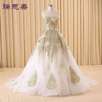 DCCKON3 100%real golden embroidery white Medieval Renaissance gown princess dresses ball gown Victoria dress/Marie Antoinette/Belle Ball