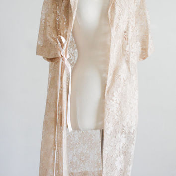 Sheer Lace Bridal Duster. Vintage 60s. Ecru. Lg. Plus Size. // Short Sleeve, Floral Pattern, Collared Swing Coat.
