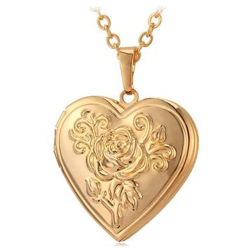 Necklace :  Heart Locket Pendant Necklace