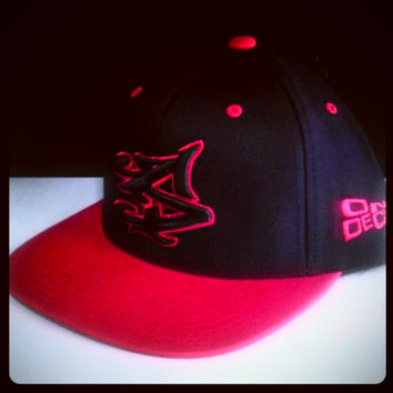 S LOGO SNAPBACK IN BLACK/RED [SOLD OUT]